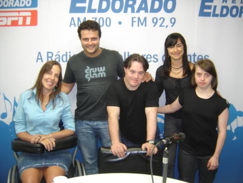 Mara, Galvão, Ariel, Alek e Ritinha na Rádio Eldorado