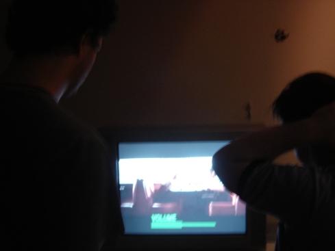 Galvão mostra diversas cenas de filme para Ariel