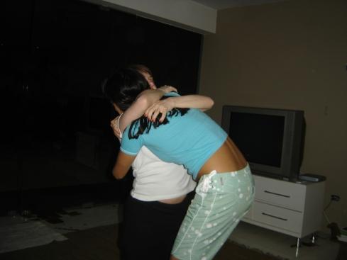 Tudo termina com um gostoso abraço!