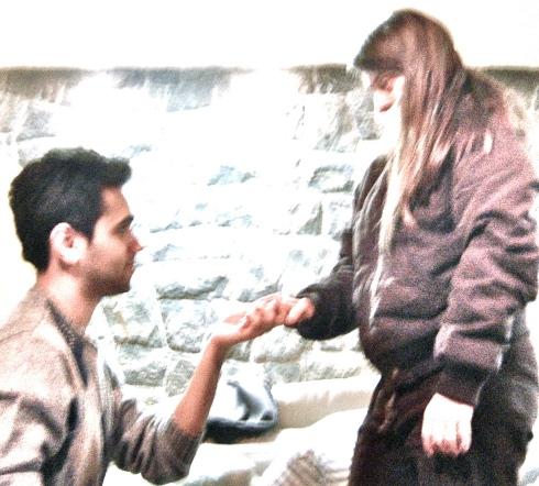 O ator Elder Torres treina romantismo com Rita