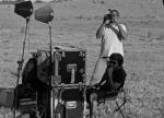 Paullo Rosa (editor de set) filma making-of. À frente, vemos Federico Billordo (técnico de som).