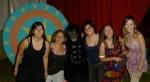 """Mariana (figurino), Cris (make-up), Kiki """"King-Kong"""" (figurinista), Juliana di Grazia (objetos), Ju Motta (objetos) e Bruna (figurino)"""