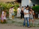 O diretor Marcelo Galvão e Andréa Armentano (1a assistente de direção) conversam sobre próximas cenas.