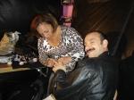 Encontro Cris fazendo a maquiagem na mão do ator português Rui Unas.