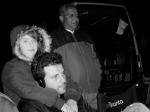 Cena Clássica: Rita abraça Marcelo ao lado de Carlinhos (motorista)