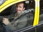 Os personagens de Ariel, Rita e Breno arranjam confusão com o taxista portenho.